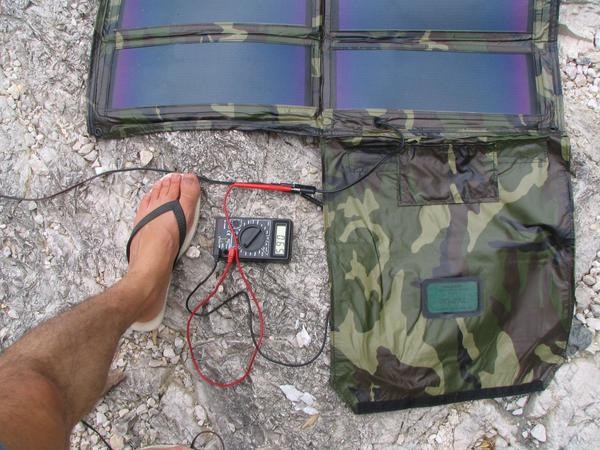 Photovoltaic at strong cloudy sky Behind dense dark grey clouds is the sun invisible. The charge current changes from 0,39 to 0,65A or 14% to 24% of the 34 Watt peak rating.