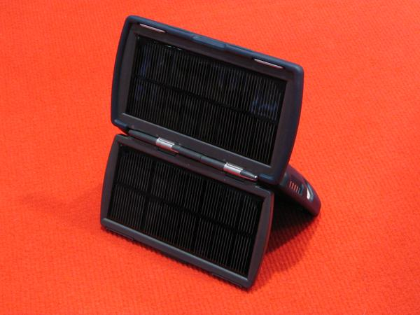 Solar chargers In compare to the 'Master', the photovoltaic of the professional is with 2.6 Watt peak a littl bit stronger. Some charge adapters for cellphones are included.